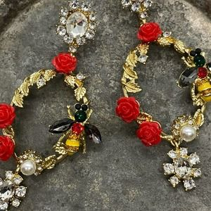 NEW Let's Pollinate Vintage Vibe Earrings